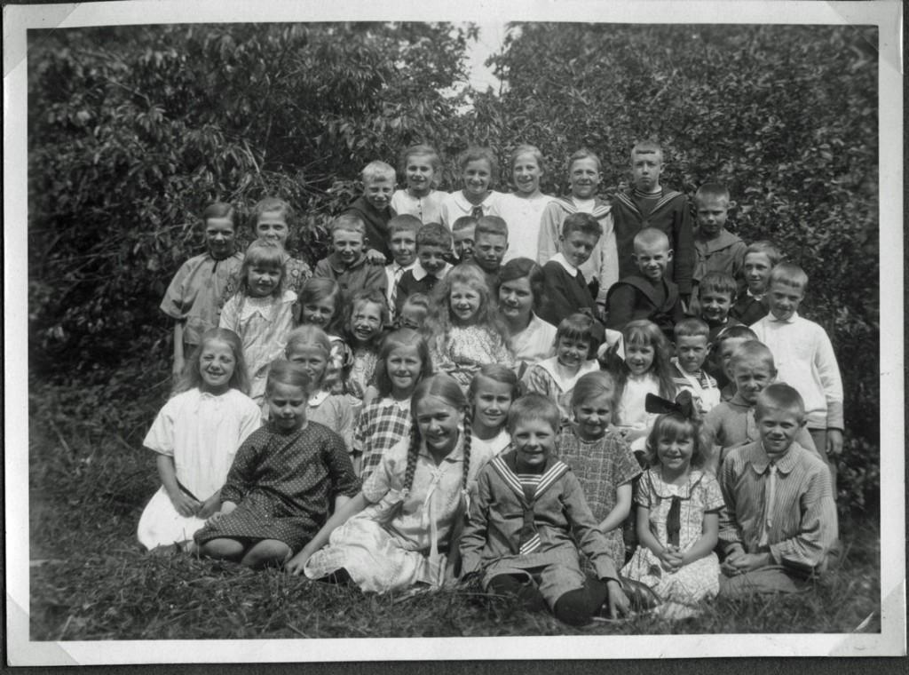 skolklass-härsjö-1927